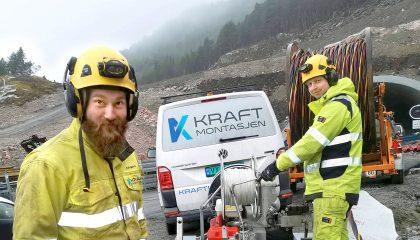 Energimontørene Asbjørn Aune og Kenneth Kvalvik i Kraftmontasjen AS